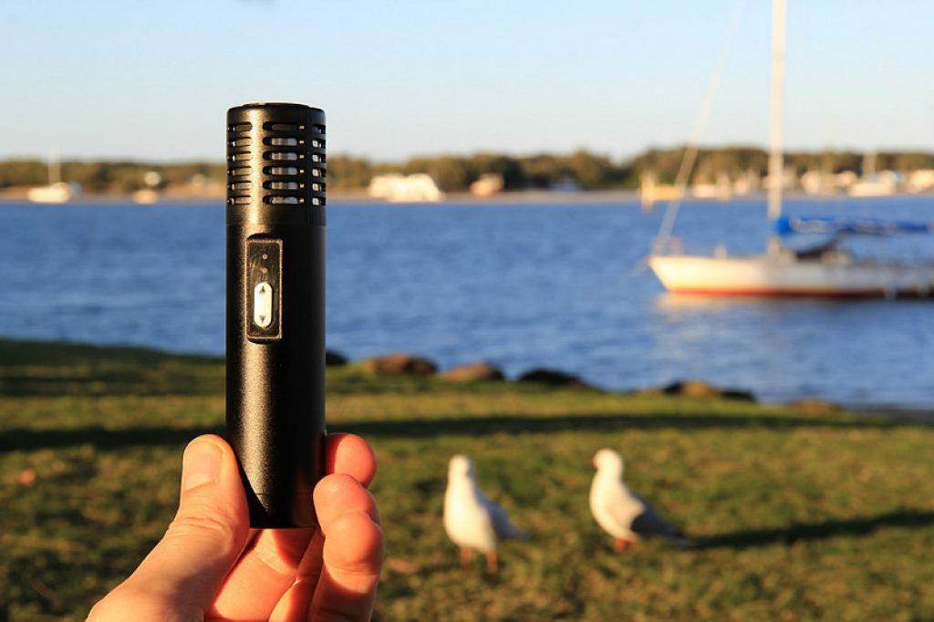 Arizer Air Black at the Lake
